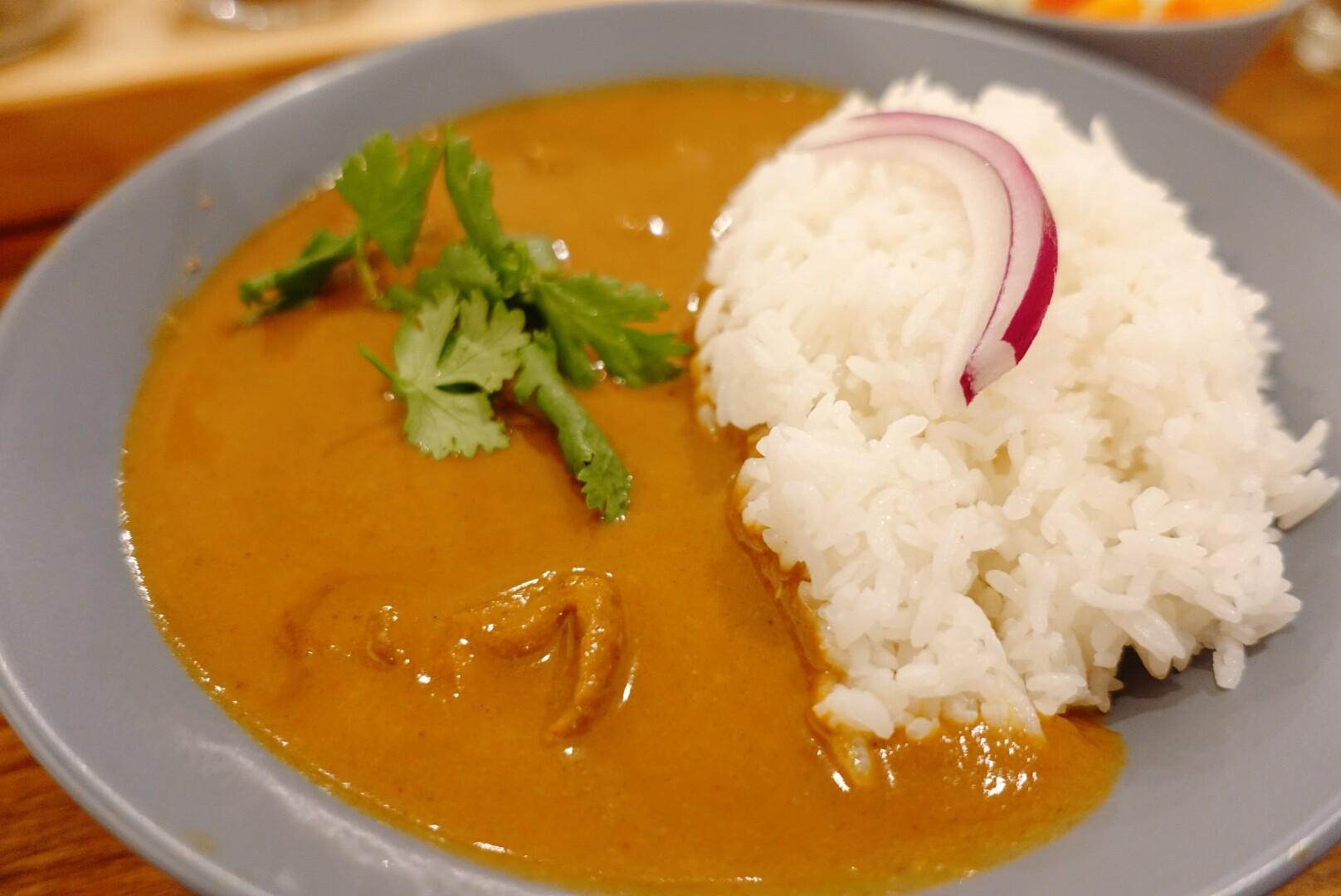 【花蓮市區】曲皿食堂|道地美味印度咖哩與香料饗宴