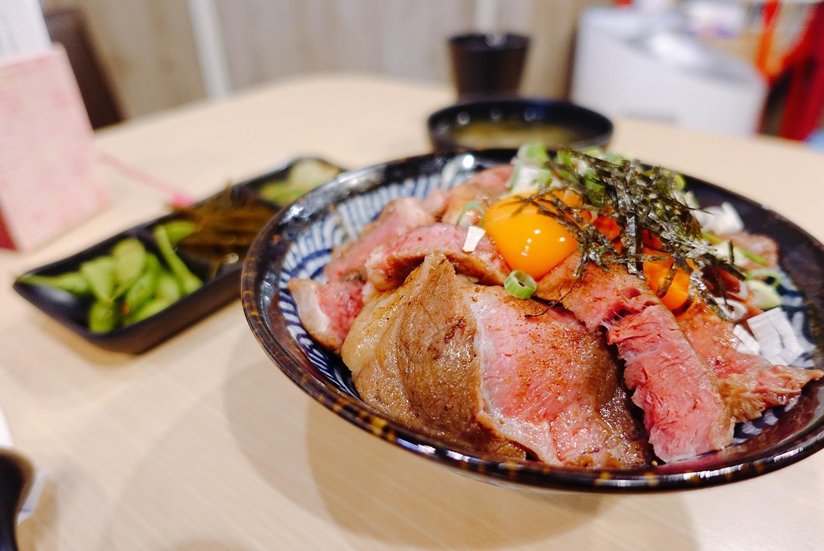 【花蓮市區】加家食堂|超軟嫩舒肥炙燒牛肉丼|平價丼飯