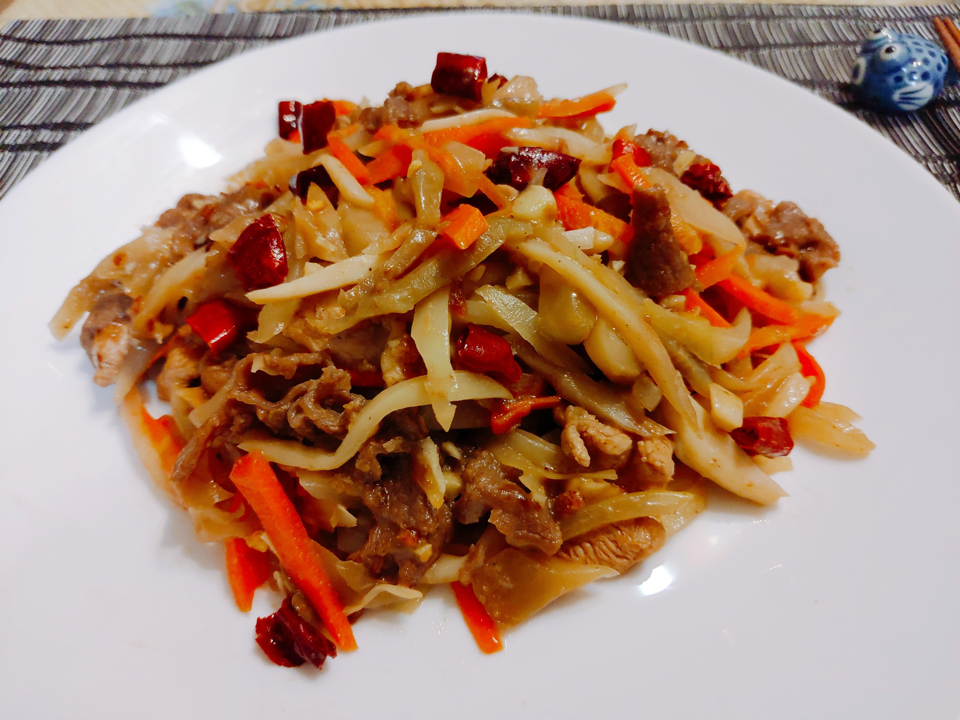 【食譜】榨菜炒牛肉|超簡單零難度料理,隨便炒炒都好吃