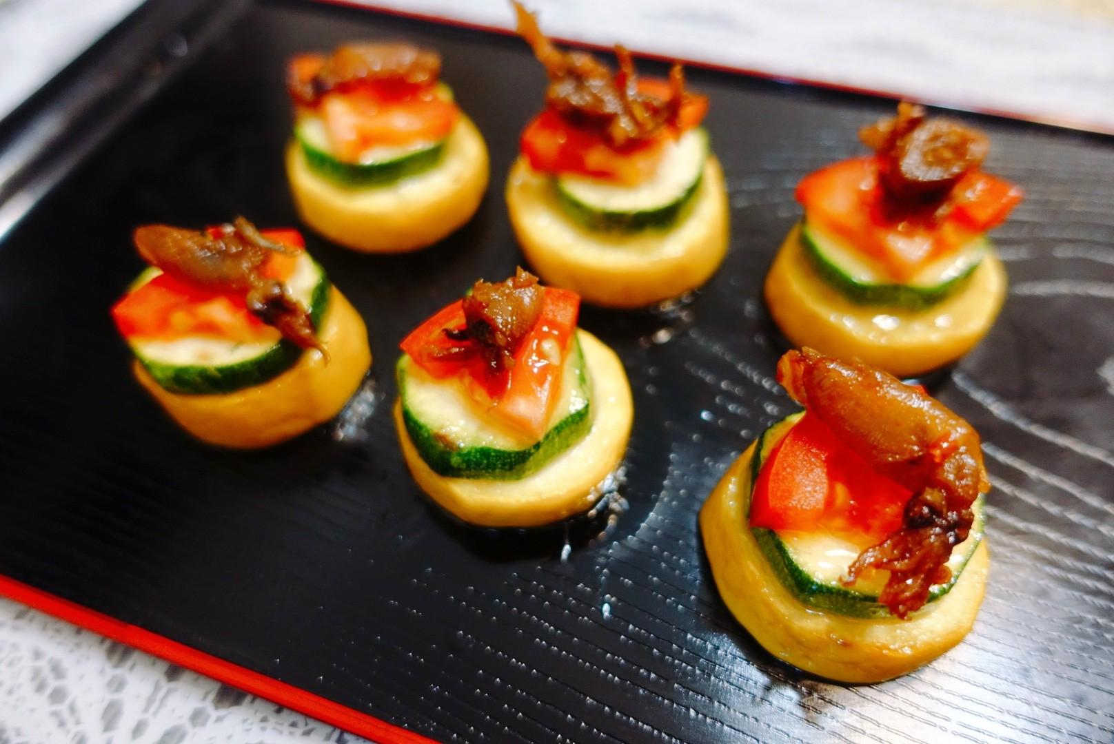 【食譜】香煎櫛瓜佐小管醬|三步驟就上桌,毫無難度的櫛瓜料理