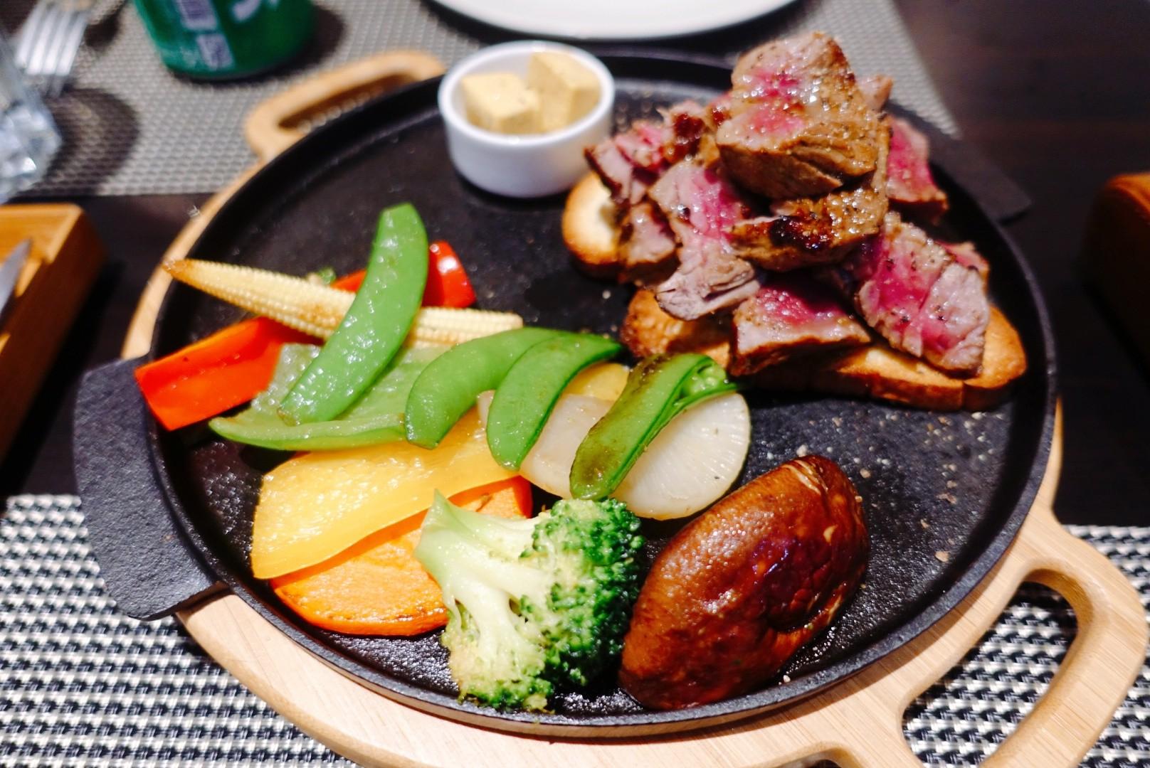 【花蓮市區】Restaurant Barcelona|西班牙料理融合在地特色的剝皮辣椒佐山豬肉寬麵,既含創意又超美味