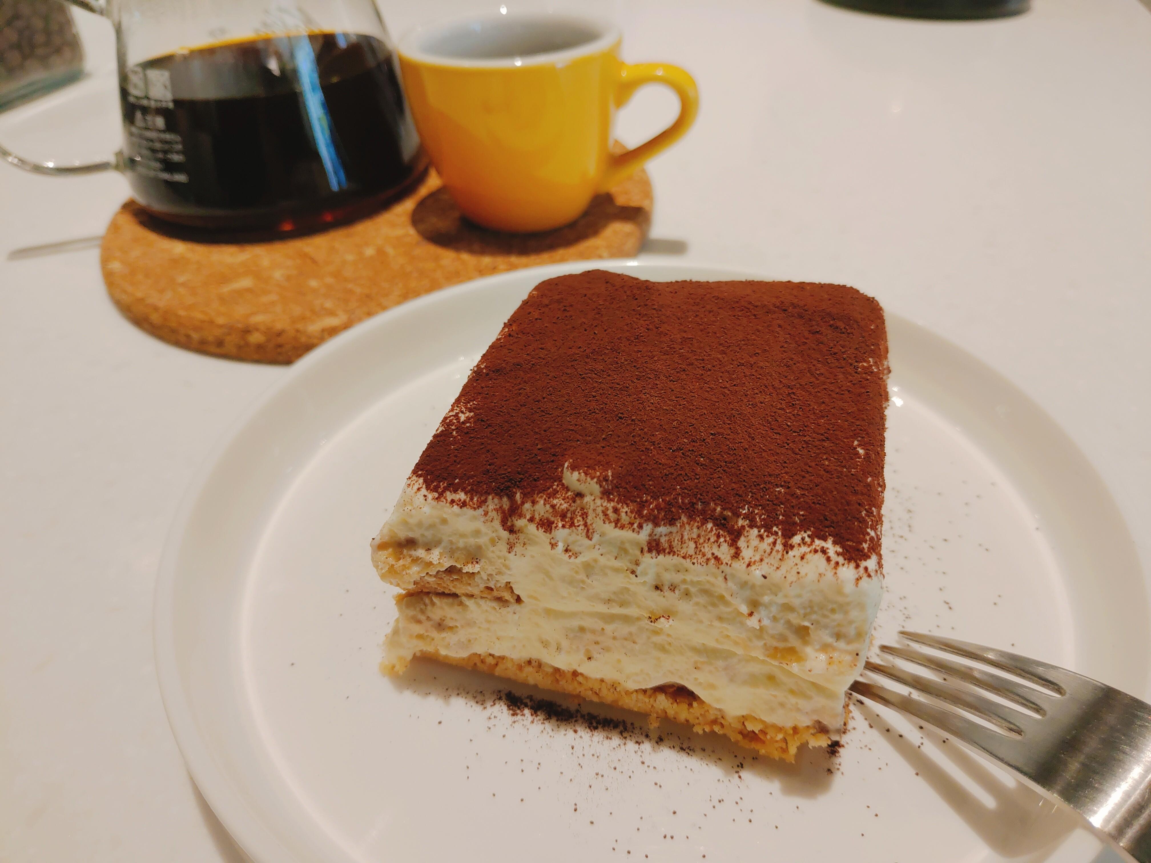 【花蓮市區】Cabra coffee|軟綿可口提拉米蘇,還有美味多樣的咖啡可供選擇|不限時|插座