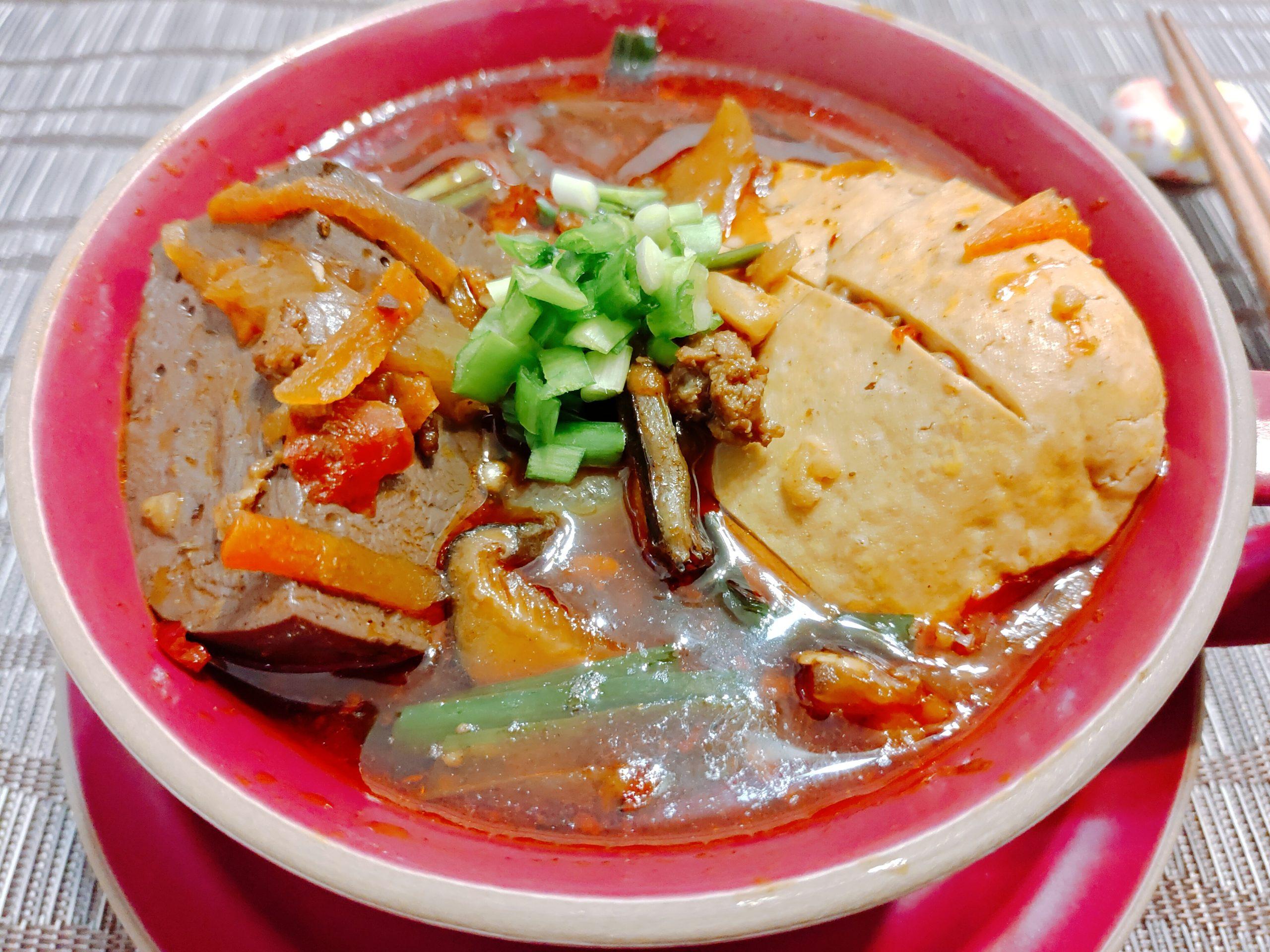 【食譜】麻辣雞血臭豆腐 簡簡單單做,吃起來就超軟嫩