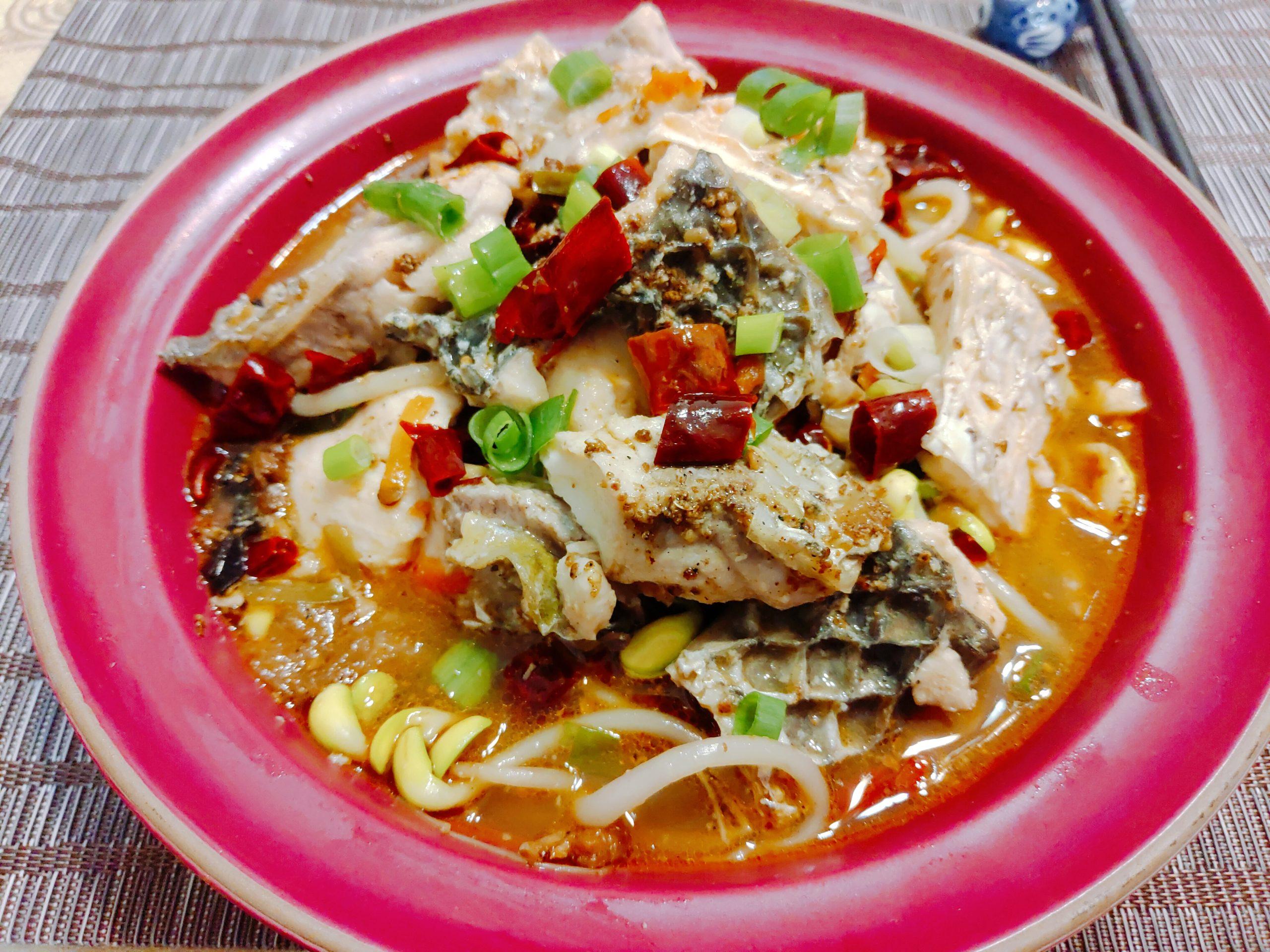 【食譜】麻辣水煮魚|川菜也能在家輕鬆做,魚片超嫩令人陶醉