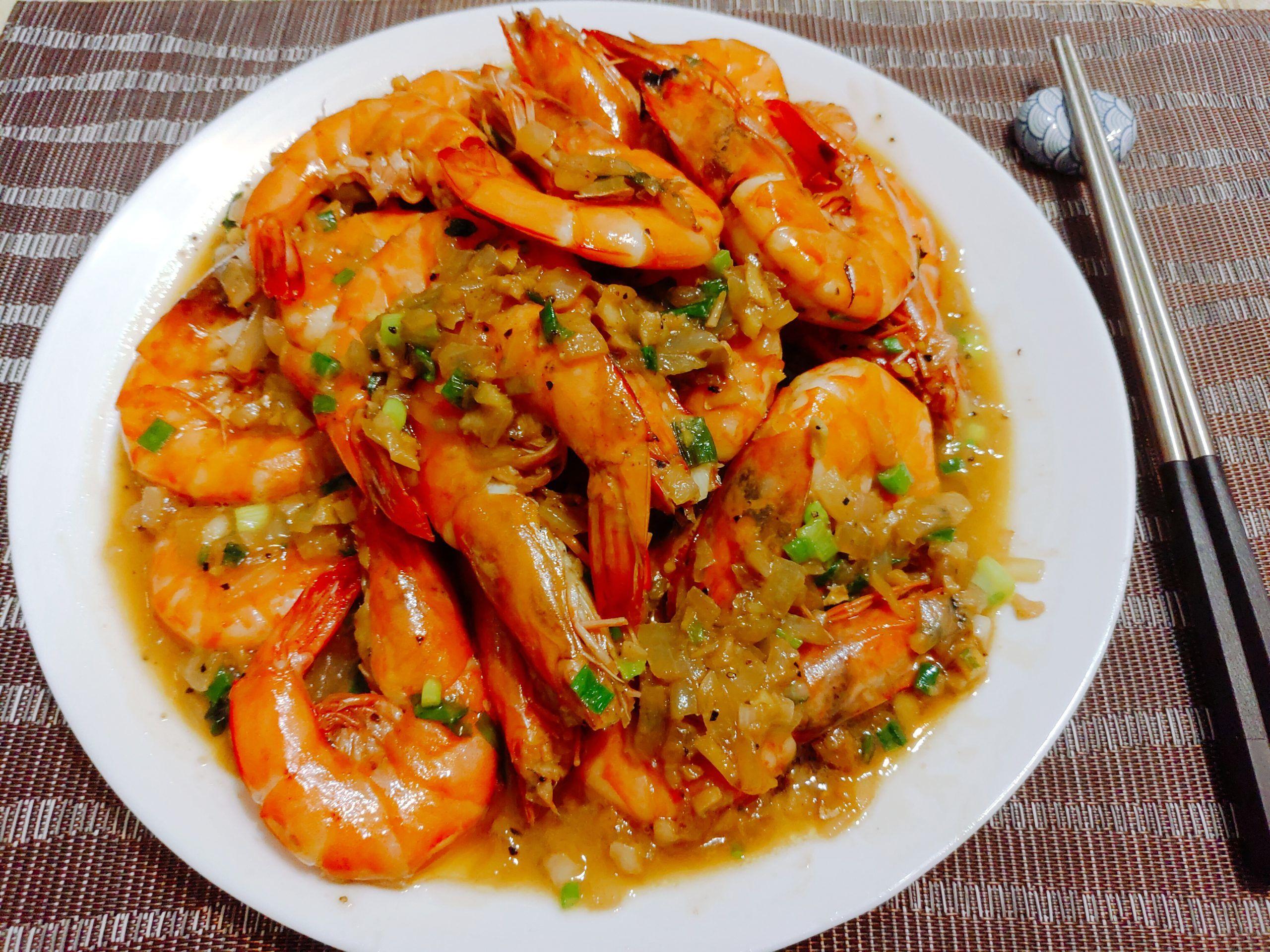 【食譜】蒜香奶油蝦|Q彈美味的蝦子帶著濃郁的奶油香