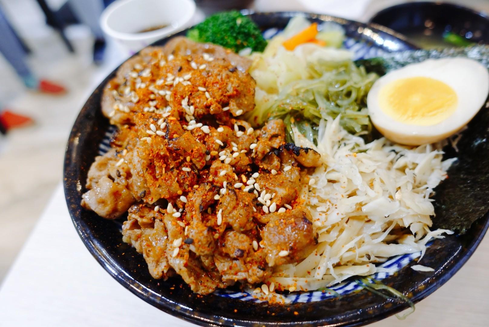 【花蓮玉里】職人雙饗丼玉里店|上班族最愛的平價丼飯,價格實惠分量滿滿又好吃