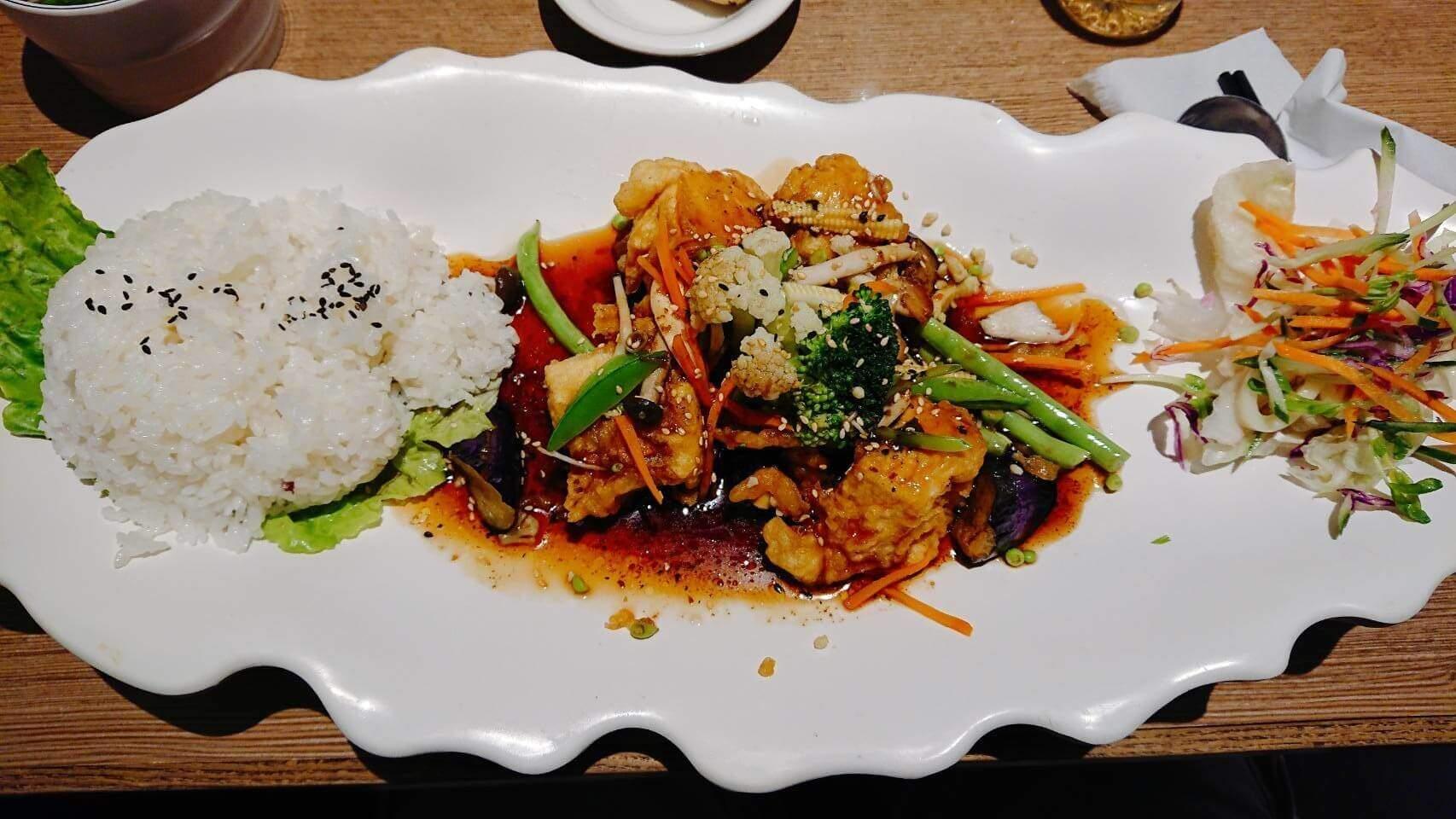 【花蓮市區】綠色大地–吃起來不很素食的素食餐廳