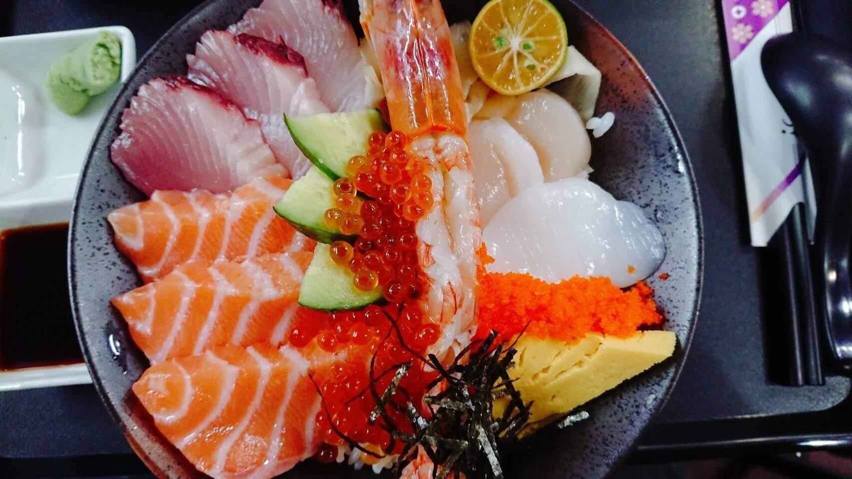 【花蓮市區】佐賀–平價日式料理,超美味又高CP值的豐盛海鮮丼