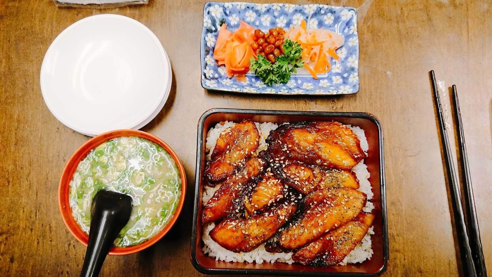 【花蓮市區】魚豐–新鮮平價的握壽司,還有便宜大碗的蓋飯